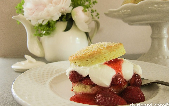 Biscuit-Style Strawberry Shortcake