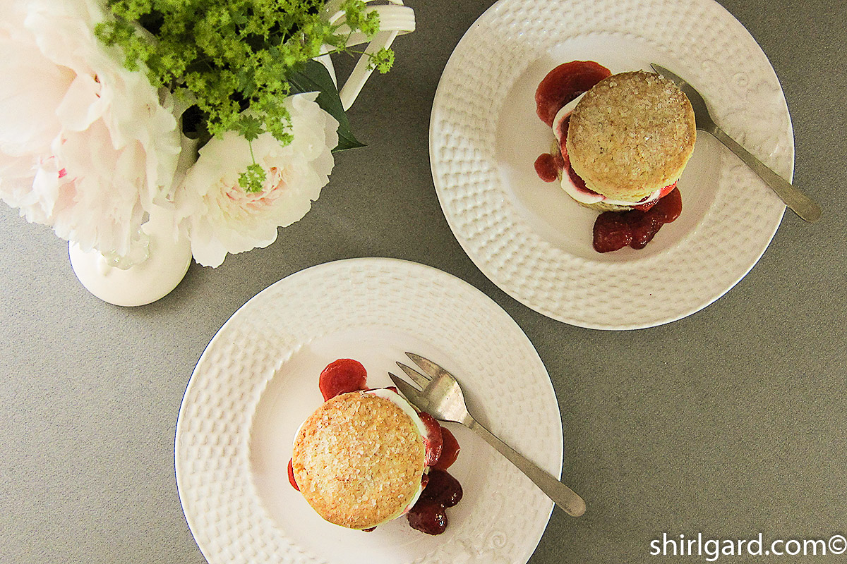Biscuit-Style Strawberry Shortcakes